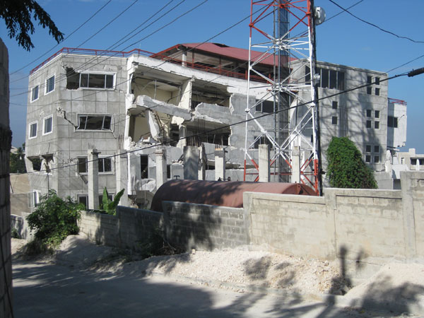 Haiti earthquake damage photography mrp engineering for Canape vert haiti